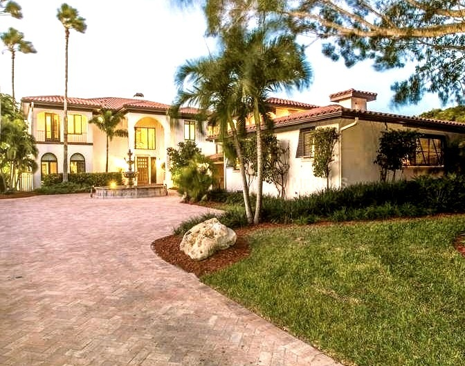 Tropical Mansion