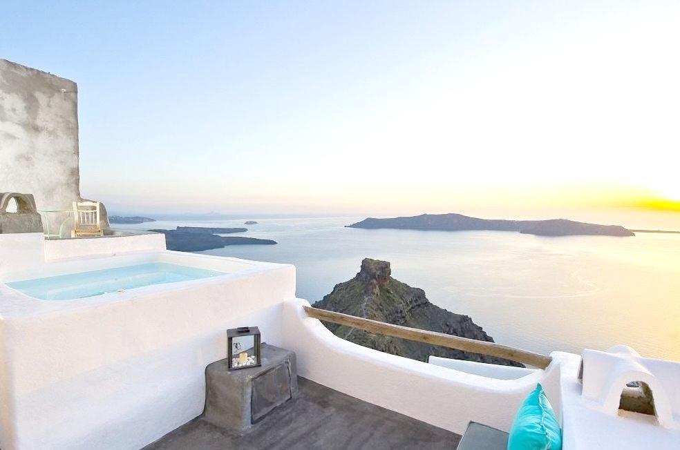 Sophia Luxury Suites - Santorini, Greece